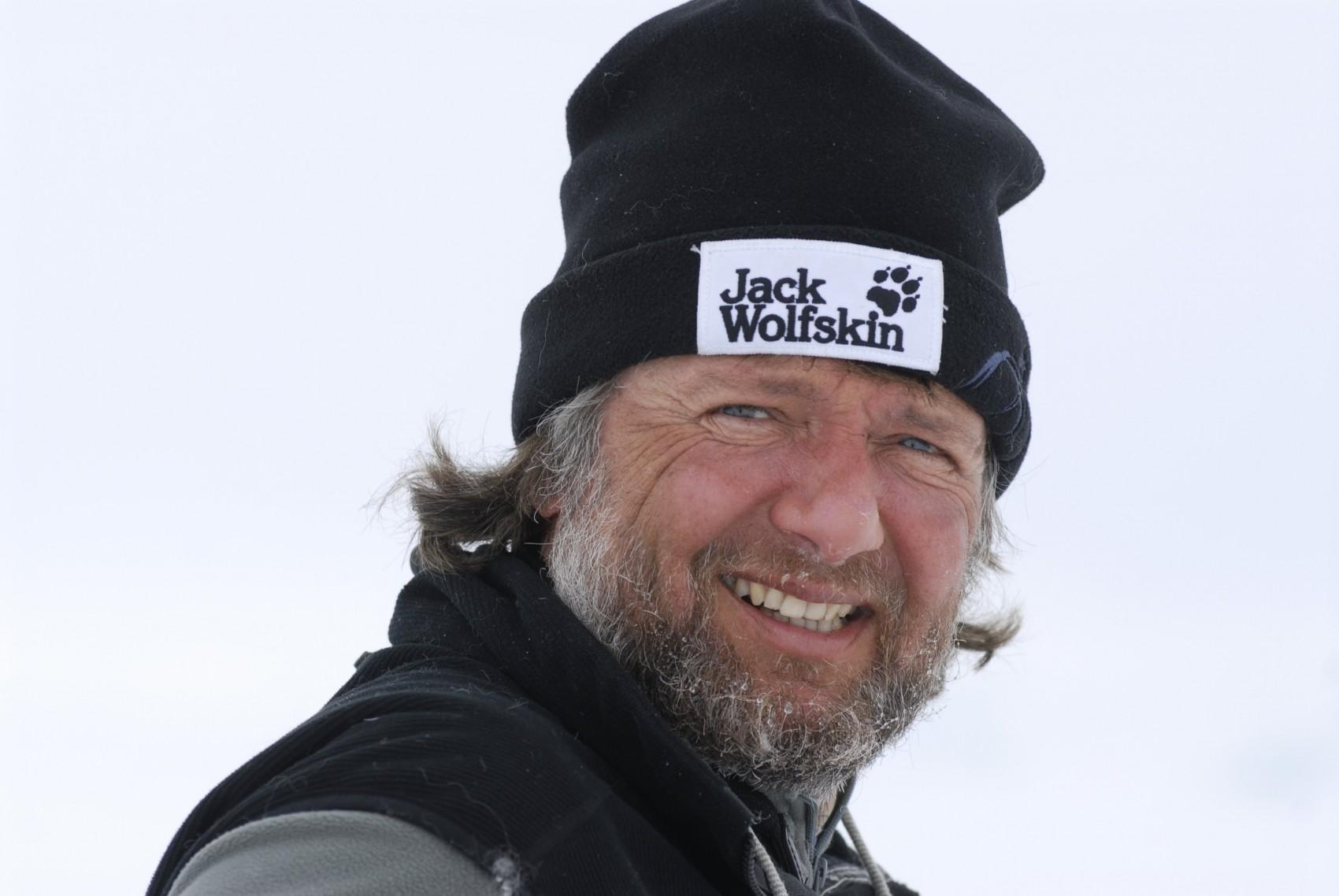 ECON Redner Arved Fuchs mit Mütze