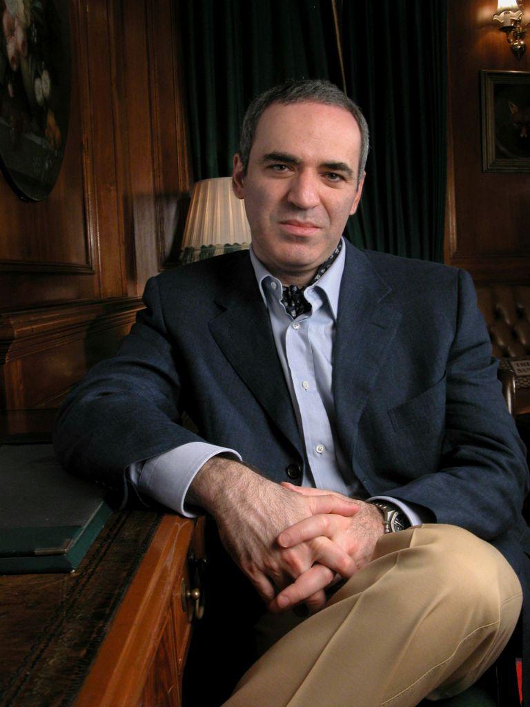 ECON Redner Garri KASPAROW sitzend