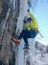 ECON Redner Thomas Bubendorfer beim Eisklettern