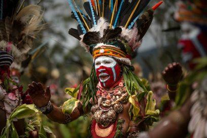 Econ Redner Ulla Lohmann_Papua_Stammeshaeuptling