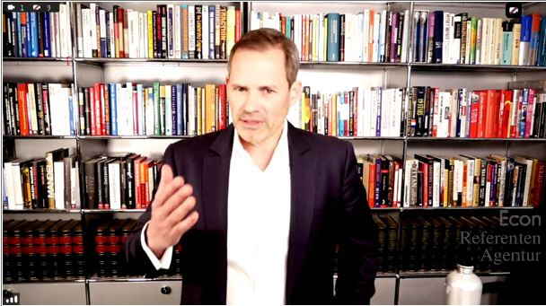 ECON Redner Alexander Groth beim Online-Vortrag Umsteigen im Kopf