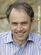 Profilbild: Dr. James McCabe