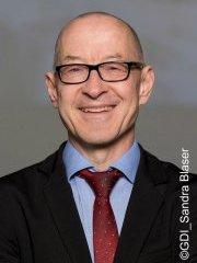 Profilbild: Dr. David Bosshart