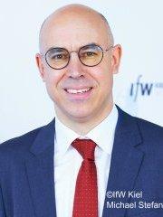 Profilbild: Prof. Dr. Gabriel Felbermayr