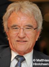 Profilbild: Prof. Dr. h. c. Horst Teltschik